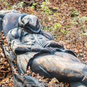 Skulptur auf dem Pfullinger Sagenweg, Baden-Württemberg, Deutcschland