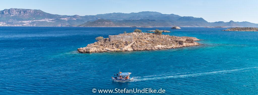 Griechenland, Urlaub, die kleine Insel Psoradia ist zum Greifen nah, Insel Kastellorizo