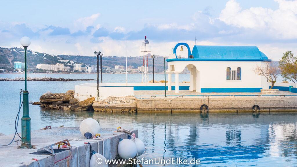 Die Kapelle Agioi Apostoloi in Faliraki, Insel Rhodos, Griechenland